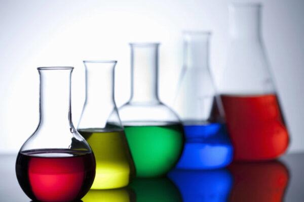دليل ومراجعة وتقيم كافة الفصول مادة كيمياء 1 مقررات