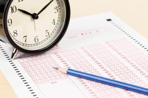 نموذج جدول اختبارات الفترة الاولى للفصل الدراسي الاول